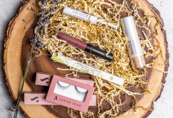 Vegancuts Floral Fantasy Makeup Box