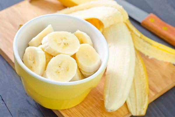 Bananas have helps with pore tightening