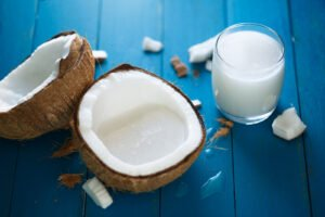 what is coconut milk like